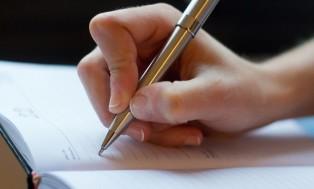 Kiat Mengatasi Hambatan Menulis