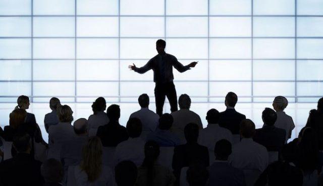 membuka pidato posisi tangan