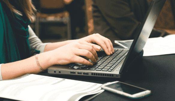 menulis media online